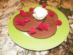 A quick and easy dessert fix for unexpected guests -- double chocolate chip pancakes with ice cream, berries and maple syrup!  Yum.  http://www.123glutenfree.com/uploads/Recipes_web_4.pdf