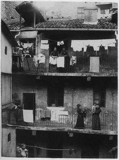 Torino com'era. Mario Gabinio,Torino, via San Francesco d'Assisi, cantiere di demolizione 1900-01/02 - Fondazione Torino Musei - Archivio Fotografico - Fondo Gabinio