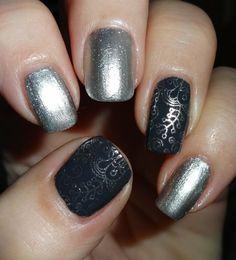 Born Pretty Store Heart Shaped Nail Polish Bottle #nailart #nails #nailblogger #polish #mettalicnails #darkgrey #glitter - bellashoot.com