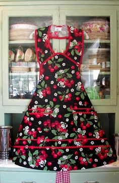 1940 Black Cherry Apron. Aprons on a vintage style.  For sale!