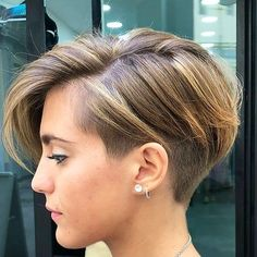 Short Hairstyles For Thick Hair, Short Pixie Haircuts, Short Hair Cuts, Short Hair Styles, Unique Hairstyles, Hairstyle Short, Short Hair With Undercut, Short Wavy, School Hairstyles