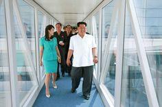 Ким Чен Ын показал жене новый терминал аэропорта Пхеньяна - Газета.Ru | Фото
