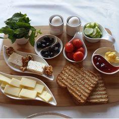 Food And Drink Breakfast - Recipes Turkish Breakfast, Food Decoration, Turkish Recipes, Food Presentation, Breakfast Presentation, Meals For Two, Food Design, Food Videos, Breakfast Recipes