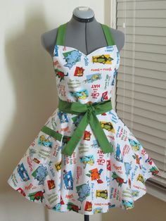 The Cat in the hat Apron  The Variety of Dr by AquamarCouture, $37.00