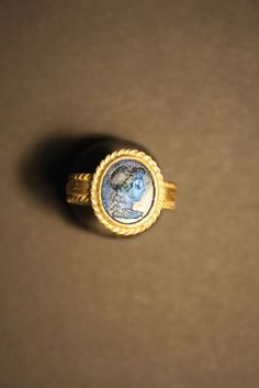 Roman Gold ring with AGRIPINA Intaglio 10,4gr gold.