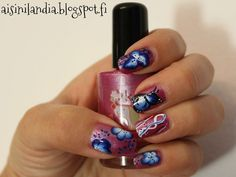 One stroke nail art: flowers and butterfly
