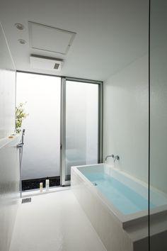HAKU | saji建築設計室 Japanese Bathroom, Modern Bathroom, Changing Room, Wet Rooms, Private Room, House Floor Plans, Future House, Bathtub, Minimalist