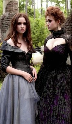 "Alice Englert & Emmy Rossum - ""Beautiful Creatures"" (2013) - Costume designer : Jeffrey Kurland"