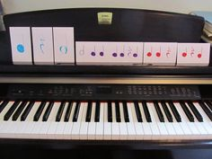How to teach piano to young students. Preschool lessons. Rhythm and finger introduction.