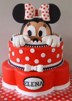 Don't you just love this Minnie Mouse cake? I loved Minnie FAR more than Mickey as a little girl! Minni Mouse Cake, Bolo Da Minnie Mouse, Minnie Cake, Pretty Cakes, Cute Cakes, Minnie Birthday, Birthday Cake, Character Cakes, Disney Cakes