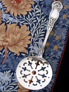 1910 Orange Blossom Tomato Server (Rogers & Bro.)