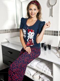 Anıt iç giyim Kız Baskılı Bayan #PijamaTakımı 4327 Anıt #içgiyim 2014/15 Sonbahar-Kış #BayanPijama Koleksiyonu http://www.pijama.com.tr/bayan-pijama/Anit/6-42 @lilyandcous @saravandella @fehmidaf