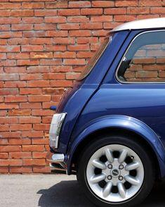 Mini Moris, Mini Copper, Classic Mini, Minis, Colour, Cars, Retro, Vehicles, Sports