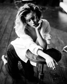 Beauty & portrait photographer based in Belgrade, Serbia. White Photography, Portrait Photography, Fashion Photography, Color Photography, Modeling Fotografie, Girls Album, Boudoir Poses, Foto Art, Girl Smoking