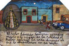 Эдуардо Контрерас благодарит Деву Скорбящую за то, что она спасла его жизнь, когда он на своем мотоцикле был сбит автомобилем.