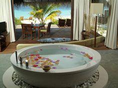 Hotel Coco Palm Bodu Hithi 11 Paradise Like Coco Palm Bodu Hithi Resort, Maldives Spa Luxe, Luxury Boat, Luxury Suites, Luxury Hotels, Luxury Travel, Island Villa, Estilo Tropical, Boffi, Indoor Outdoor