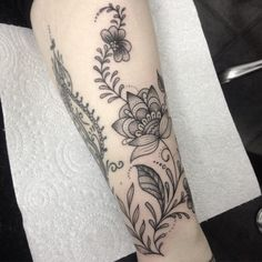 Flower Tattoo by Medusa Lou Tattoo Artist - medusaloux@outlook.com