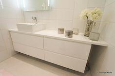 wc,valkoinen,korkeakiilto,vetimetön,moderni Hm Home, White Rooms, Double Vanity, Sweet Home, Bathroom, White White, Coconut, Zara, Bling