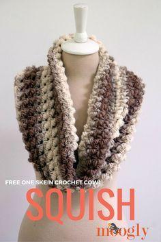 Squish - one skein crochet cowl! Free pattern on Mooglyblog.com #diy #crochet patterns #gifts