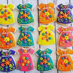 Quinceanera Party Planning – 5 Secrets For Having The Best Mexican Birthday Party Mexican Birthday Parties, Mexican Fiesta Party, Fiesta Theme Party, Mexican Party Favors, Mexican Wedding Decorations, Theme Parties, Mother's Day Cookies, Sugar Cookies, Mexican Cookies