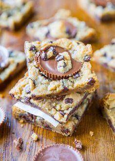Peanut Butter Cup Chocolate Chip Cookie Dough Bars. #recipe
