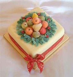 SWEET :D Image detail for -marzipan fruits christmas cake from sugarlicious ltd Mini Christmas Cakes, Christmas Cake Designs, Merry Christmas, Christmas Cake Decorations, Christmas Desserts, Christmas Baking, Christmas Ideas, Xmas Cakes, Holiday Cakes