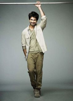 Shahid Kapoor Body Measurements