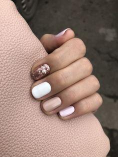 white Weißer Glitzer-Nagellack, Champagner Nail Art-Akt White Glitter Nail Polish, Champagne Nails Art Nude - is is White Glitter Nails, Glitter Nail Polish, Nude Nails, My Nails, Acrylic Nails, Gold Nails, Gradient Nails, Prom Nails, Coffin Nails