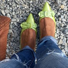 Adorable Flats!! Super cute flats with bow detailing on the toe! Beautiful green color that would be perfect for the upcoming seasons!! Worthington Shoes Flats & Loafers