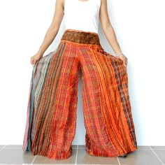 Love some floppy gypsy looking pants! Gypsy Style, Hippie Style, Bohemian Style, Boho Chic, Boho Gypsy, Gypsy Pants, Boho Pants, Beautiful Outfits, Cute Outfits
