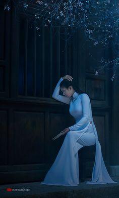 http://www.deviantart.com/art/Ao-dai-Vietnam-NM-Xuan-Van-Photo-Duong-Quoc-Dinh-477991969