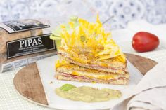 Sandwich loco de bacon con queso crujiente