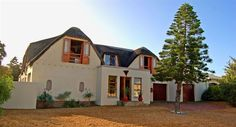 Beach Break Lodge - The Beach Break Lodge is situated in the heart of Blouberg, a quiet and secure suburb of Cape Town. The house is a mere 300 m stroll away from the endless white Blouberg Beach. The guest house has five ... #weekendgetaways #bloubergstrand #southafrica