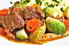 Tzatziki, Pot Roast, Food And Drink, Beef, Ethnic Recipes, Carne Asada, Meat, Roast Beef, Steak
