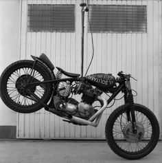Triumph | Bobber Inspiration - Bobbers and Custom Motorcycles | pablodicelo September 2014