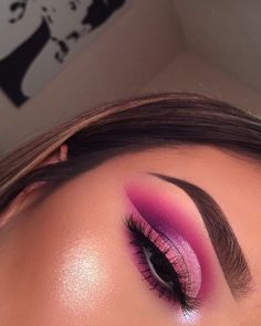 10 Pretty Eyeshadow Looks for Day and Evening Pink Makeup, Cute Makeup, Glam Makeup, Pretty Makeup, Makeup Inspo, Eyeshadow Makeup, Makeup Art, Makeup Inspiration, Eyeshadow Looks