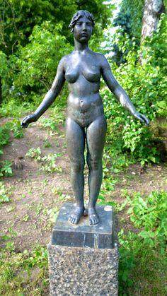 """""""Caroline"""" av Fritz Røed (1928 - 2002) Gjøvik gård"""