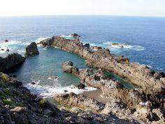 Charco del Viento. Tenerife En la costa del municipio norteño de La Guancha se esconde este charco de grandes dimensiones ideal para el baño, siempre y cuando el mar esté en buenas condiciones.