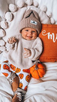 Fall Baby Pictures, Cute Baby Boy Outfits, Baby Boy Style, Baby Kids Clothes, Baby Girl Clothing, Everything Baby, Baby Boy Fashion, Baby Time, Baby Fever