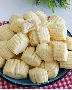 Un Kurabiyesi Tarifi – Kurabiye – The Most Practical and Easy Recipes No Flour Cookies, Cookies Et Biscuits, Cake Flour, Turkish Cookies, Cookie Recipes, Snack Recipes, Yummy Recipes, Cupcakes, Some Recipe