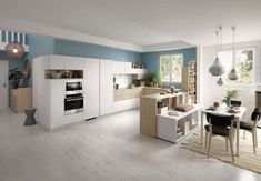 Keuken met kastenwand Colorful Interior Design, Bespoke Kitchens, Space Saving Kitchen, Kitchen Remodel, Kitchen Decor, Kitchen Fittings, Modern Kitchen Design, U Shaped Kitchen, Kitchen Design