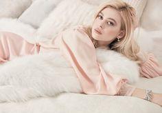 Vogue-Spain-February-2017-Nicola-Peltz-by-Miguel-Reveriego-1.jpg