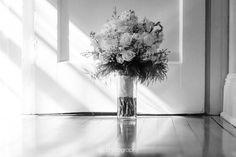 side light over a bouquet . . . . #flowers #chasinglight #justgoshoot #acertainslantoflight #makemoments #toldwithexposure #vsco #vscocam #nothingisordinary #visualsoflife #interiorinspiration #decorinspiration #apartmenttherapy #mywestelm #UOhome #sodomino #decorhome #apartmentlife #abmathome #bnw_life #bnw_society #bnw_planet #bnw_soul