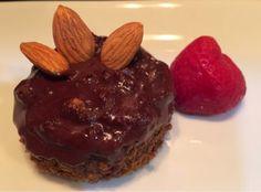 Paleo Blog: Paleo Chocolate Almond Cupcake