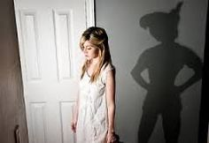 """Meno nota, sebbene associata, alla Sindrome di Peter Pan, è la """"SIndrome di Wendy"""", tipica di tutte quelle #donne che hanno un atteggiamento protettivo e materno nei confronti dei propri partner. Vediamo cosa si cela dietro a questo comportamento e a cosa sarebbe opportuno fare per modificarlo."""