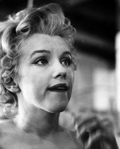 Marilyn Monroe vintage original candid photograph for Bus Stop. Grace Kelly, Classic Hollywood, Old Hollywood, Divas, Marilyn Monroe Photos, Bus Stop, Norma Jeane, Audrey Hepburn, Sensual