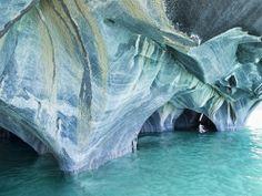 Cavernas de Mármol en el Lago General Carrera en la Patagonia (Argentina y Chile)