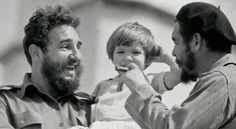 Aleida Guevara with her father Che Guevara and Fidel Castro, Havana, 'We were just a normal family': Che Guevara's daughter remembers her father Fidel Castro, Ernesto Che Guevara, Viva Cuba, Havanna, Havana Cuba, Rare Photos, My Father, Father Daughter, Bolivia