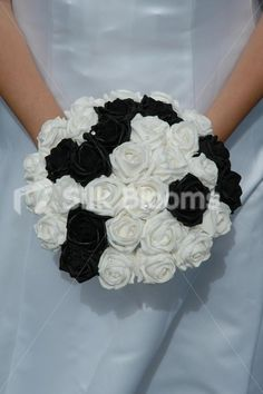 simple but beutiful wedding bouquet