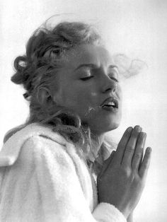 Marilyn Monroe ~ Yes, I love her!!